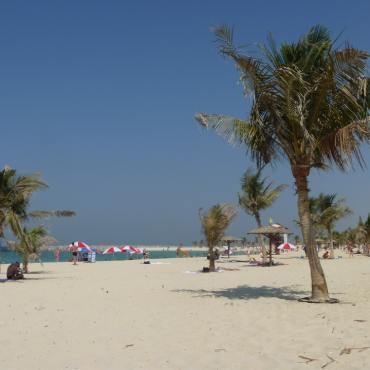 отели рядом с пляжем в оаэ